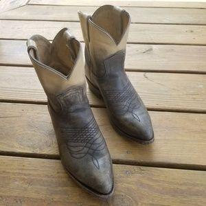 Women's Frye Boots Size 8B Gray Beige Ombre